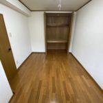 6.1帖洋室です♪収納スペース付き♪(居間)